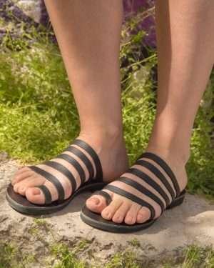 Syros-black-handmade-women-leather-sandals-greece
