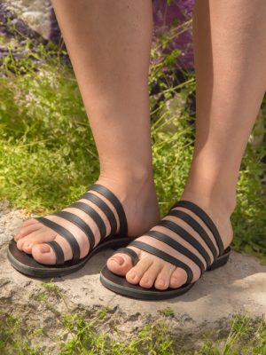 Syros-black-handmade-women-leather-sandals-greece