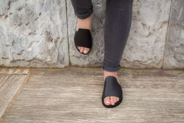 Anavyssos-ballsai-black-leather-sandals-wome-handmade-sandals-slingbacks-greece