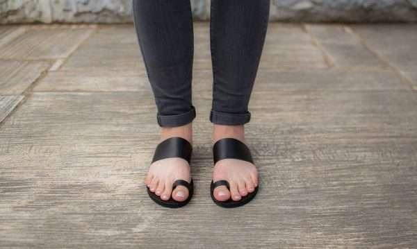 Samothraki-women-leather-greek-sandals-make-from-ballsai