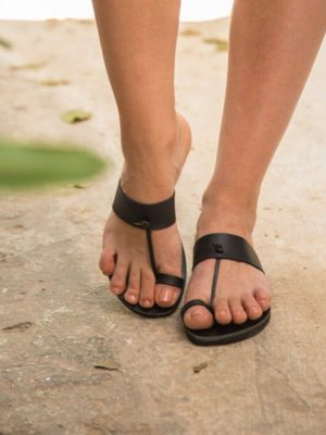 Rea-handmade-women-leather-sandals-by-ballsai-in-greece