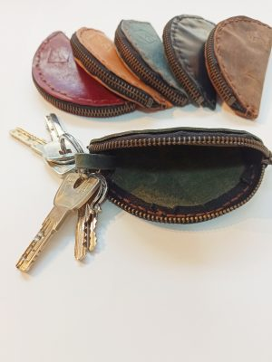Leather Key Fob, Leather Key Holder, Leather Key case, Leather Key Poych, Leather Keychain, Handmade Leather Key case, Keycases, Keychains